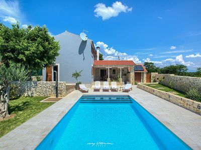 Photo for Beautiful villa with private pool near Zadar