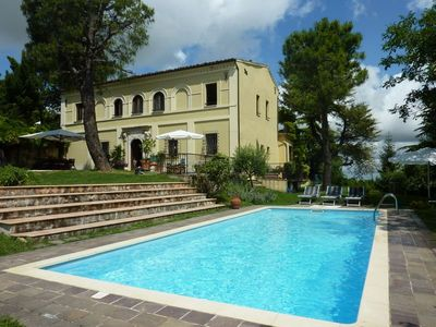 Photo for Villa with private pool near Santa Vittoria in Matenano