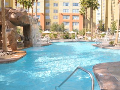 1BR/1BA FULLY FURNISHED - Up to 70% off!! MINUTES from STRIP! upgrade to 2br/2ba