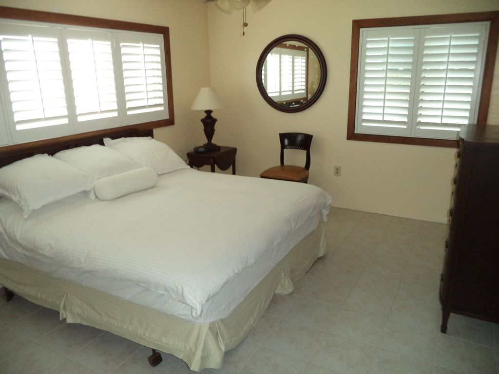 Beautiful Guest Home On 5 Acres. Close to Everglades, Biscayne Bay, Fl Keys