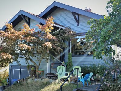 No Car Needed! Cozy Beacon Hill Apt by Light Rail, Stadiums, Downtown