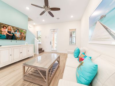Photo for Edge of Paradise! Only 3 Miles from Disney with Daily Clean & Hotel Amenities