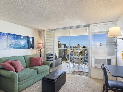 Photo for Strikingly majestic views await you from this 36th floor studio!