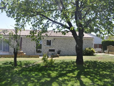 Photo for HOUSE GÎTE 4 PEOPLE, QUIET, SWIMMING POOL + SPA COVERED, MARAIS POITEVIN SOUTH VENDÉE