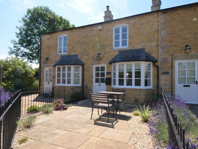 Photo for 2 bedroom Cottage in  - Bourton-on-the-Water - 57897