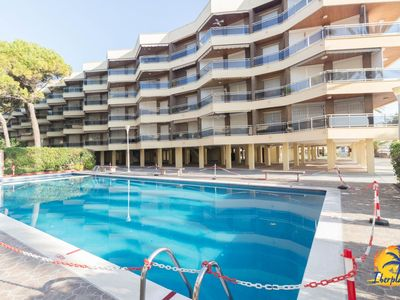 Photo for Nice apartment 6 pax with communal pool and parking in Cambrils.