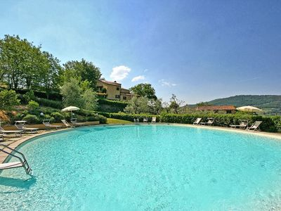 Photo for Cosy apartment for 6 guests with pool, WIFI, panoramic view and parking