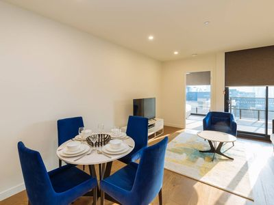 Photo for ★Fabulous★ - 2 Bed Apt in the Heart of SouthBank