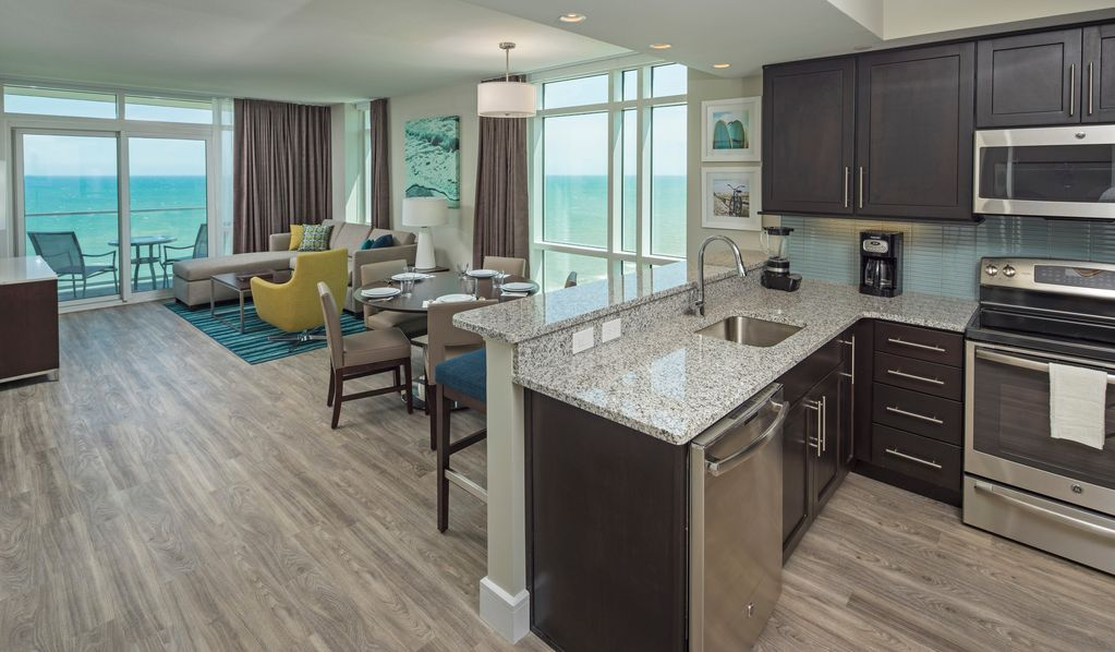 Ocean 22- 2 Bdrm Oceanfront Suite With Family Friendly