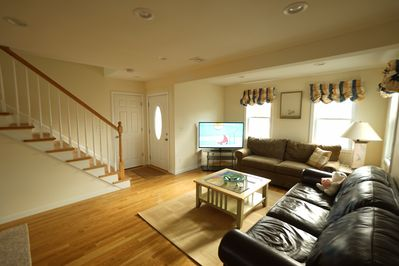 Sunlit living Room with new LSD HDTV, Free Wi-Fi Internet and Central AC