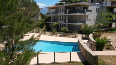 Photo for Field MARIA STELLA. Air conditioned T2, pool, terrace, 5 minutes from the beach!