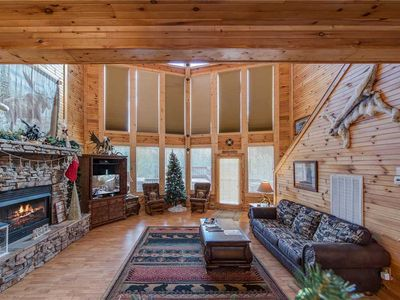 Photo for The Moose is Loose, 4 Bedrooms, Mountain View, Hot Tub, Sleeps 10