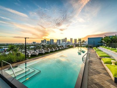 Photo for 🎨Exclusive Artsy APT 1BR | FREE Valet Parking | WIFI | Rooftop Infinity Pool🎨