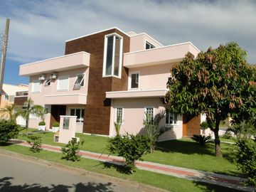 Big House 06- Excellent house with 5 Bedrooms, pool with jacuzzi, air split, all new