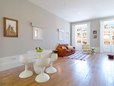 Photo for Wine Lovers apartment in Sé with WiFi & air conditioning.