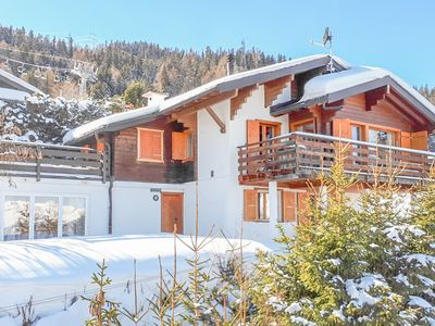 Photo for Chalet Les Enfants du Paradis, ski-in ski-out