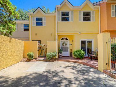 Fabulous 2-story villa w/ first floor entry, close to the beach and pool!