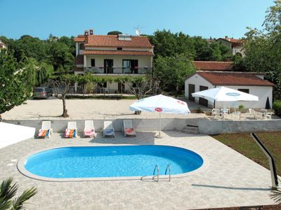 Photo for Apartment Haus Jukic (KST137) in Porec/Kastelir - 5 persons, 2 bedrooms