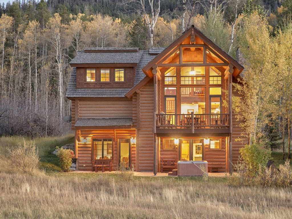4 bedroom log cabin close to jackson hole victor eastern for 5 bedroom log homes
