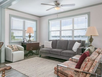 Photo for HAVE A BALL with Kaiser in Lagoonacy: 3 BR/2 BA House in Gulf Shores Sleeps 7