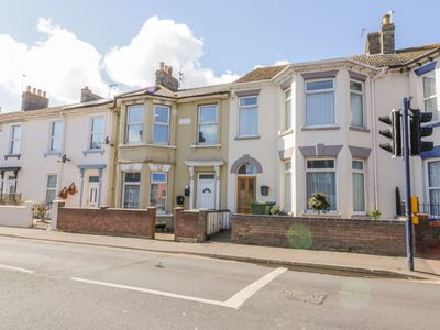 Photo for In the centre of Great Yarmouth with the beach and arcades a 3 minute walk away