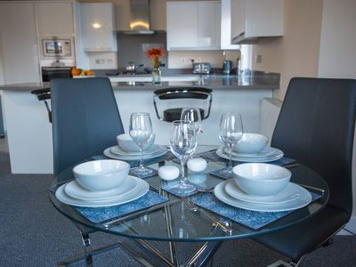 Photo for Luxury Two Bedroom Apartment, Free Parking, Cambridge Centre