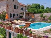 Wonderful accommodations for a large family in a beautiful little village!