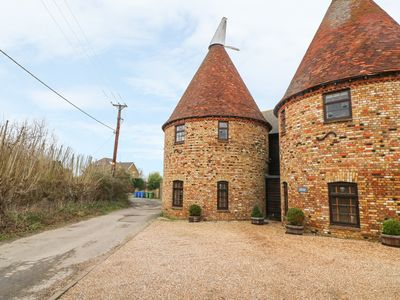 Photo for HOP HOUSE, family friendly, with a garden in Oad Street, Ref 12140
