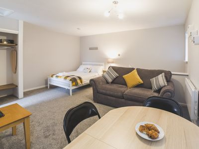 Photo for Cosy Studio Apartment close to Hull City Centre