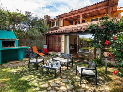 """Photo for Holiday Home """"Una Pineta sul mare"""" Near the Beach with Wi-Fi, Air Conditioning & Pool; 2 Parking Spaces Available, Pets Allowed"""