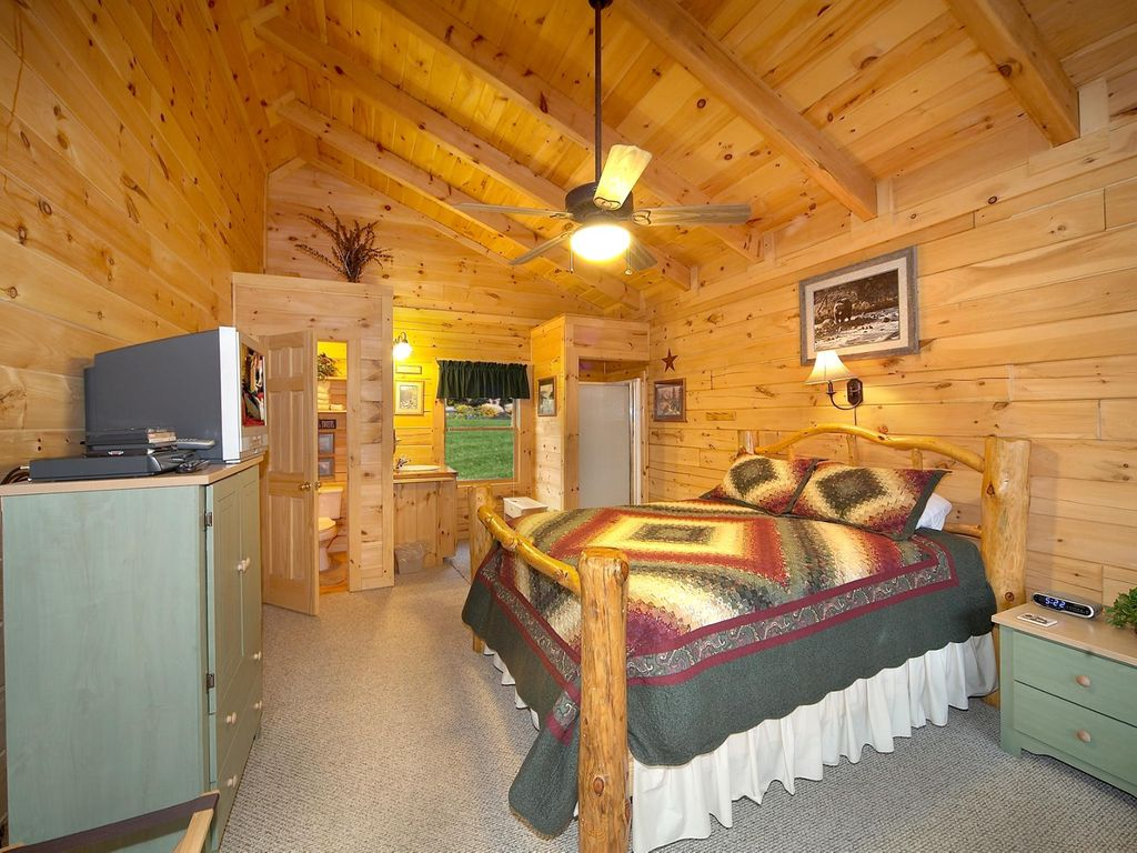 Secluded Log Cabin Perfect To Let Your Cares Melt Away