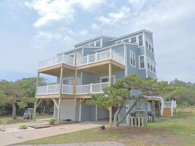 Photo for Centrally located with convenient and easy beach access!