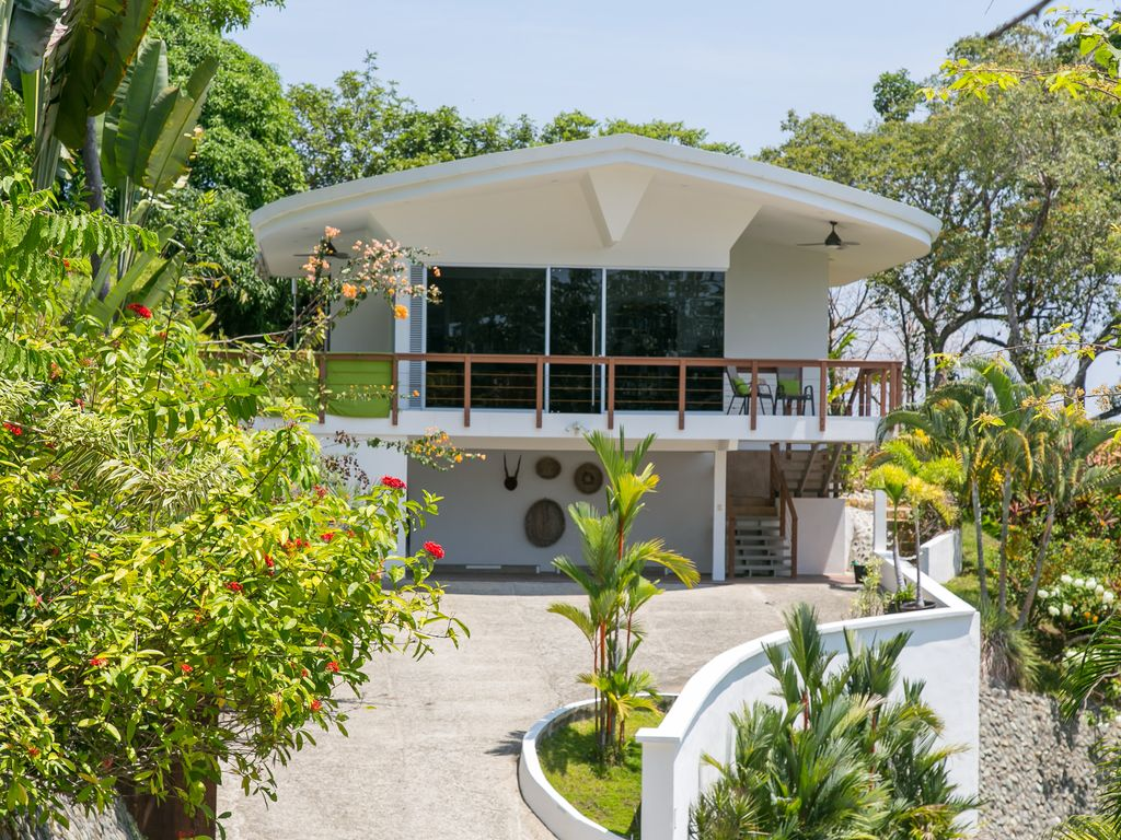 Casa aguilita modern luxury villa with 360 panoramic views for Modern house 360 view
