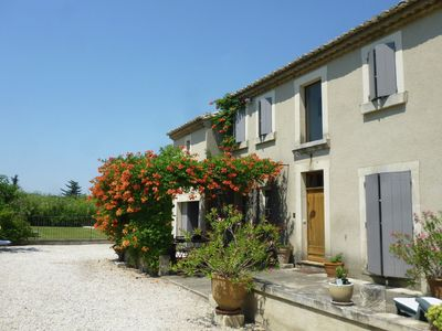 Photo for Stunning country house in Provence with pool near St. Remy-de-Provence.