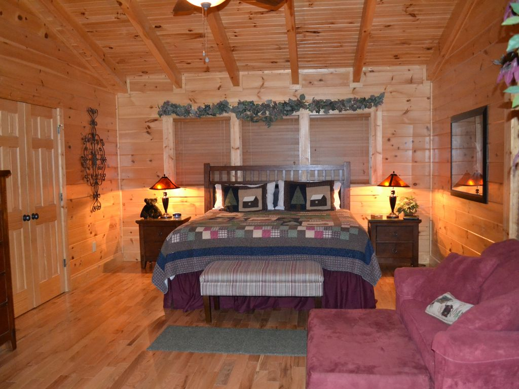 3 Bedroom 2 Bathroom Cabin Near Pigeon Forge Pet Friendly Now Reserving 2018 Pigeon Forge
