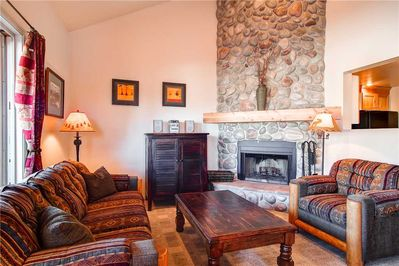 Cozy living room, warm fireplace - Park City Lodging-1052 Empire