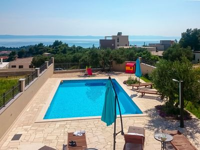 Photo for Nice apartment for 10 people with A/C, private pool, WIFI, TV, balcony and parking
