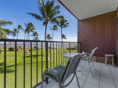 Photo for Easy Living! Kitchen, Flat Screens, Ceiling Fans, Pacific View Lanai–Molokai Shores 210