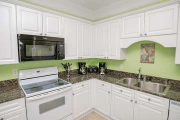 3800 SQUARE FEET OF FAMILY FUN! 8 bedrooms ~