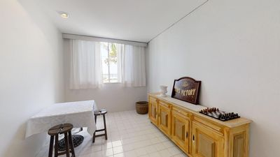 Photo for Large Beachfront Apartment with Beach Service - Pitangueiras - 8 People