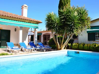 Photo for Nice and modern villa for 10 persons, with pool and 15 min away from the beach.