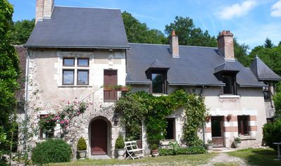 Photo for Loire Valley 400 year-old Authentic Country Cottage near châteaux