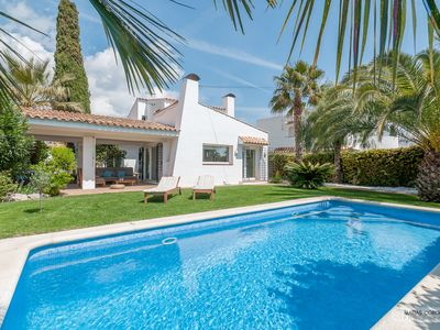 Photo for Rare: Design, charm and tranquility in a privileged location, 5 minutes from Sitges
