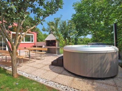 Photo for Holiday house Banjole for 4 - 6 persons with 2 bedrooms - Detached holiday house