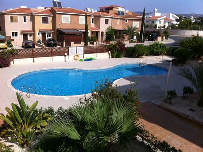 Photo for Spacious 2 bed Apartment With Communal Pool