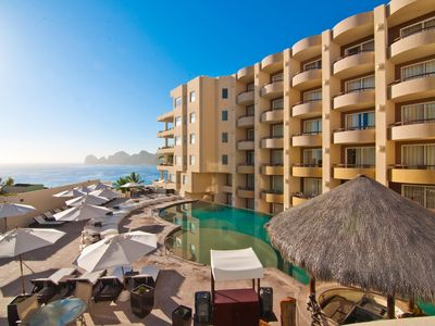 Photo for Cabo Villas 1 Bdrm Executive Suite with private balcony/jacuzzi on Medano Beach