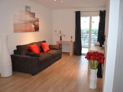 Photo for T2 in new residence 500m from the beach (air conditioning and wifi) with parking