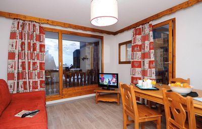 Photo for Wifi, 200m from resort center, balcony, tv, ski locker, 40m², Val Thorens