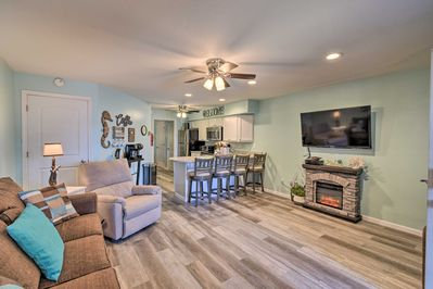 Escape to Lake Delton and stay at this vacation rental condo!