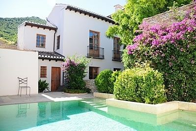 Photo for 6 bedroom Villa, sleeps 10 in Pinos del Valle with WiFi